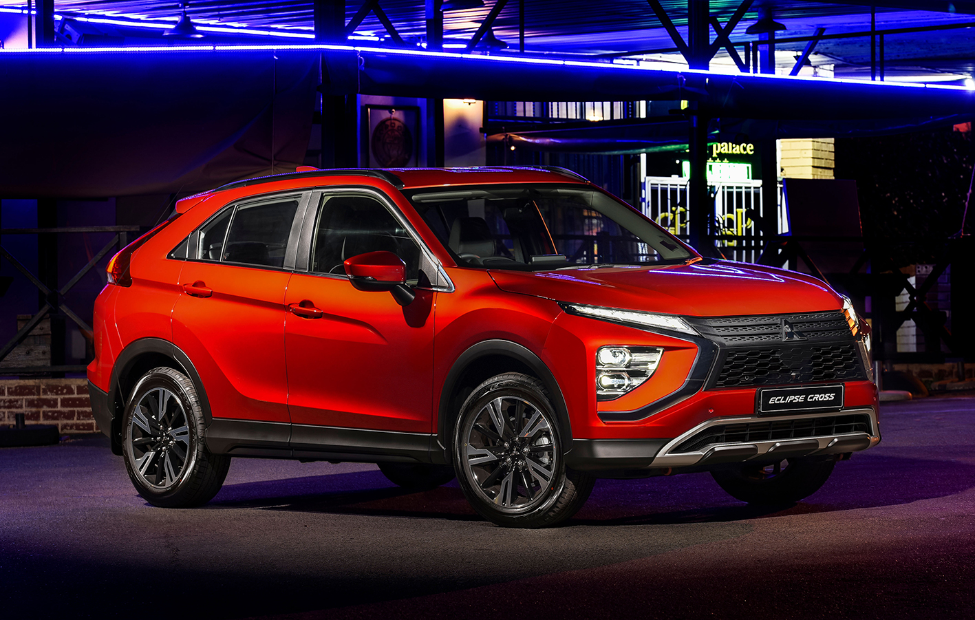 Eye-catching refreshed styling on the New Mitsubishi Eclipse Cross sets to take center stage in the compact SUV market